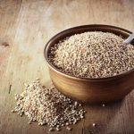 amarantové semená v miske