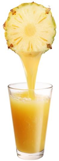 ananas a ananasova stava v pohari