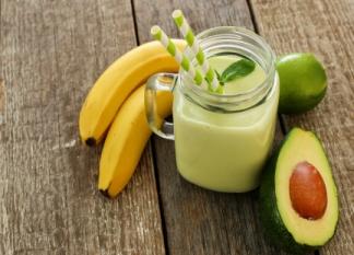 avokádovo banánove smoothie