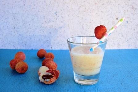 cerstve lici smoothies v pohari