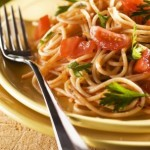cestoviny s chilli omáčkou a paradajkami