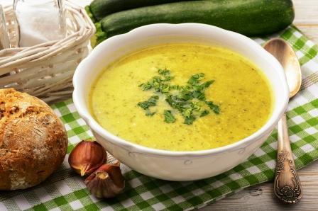 cuketova polievka so zemiakmi
