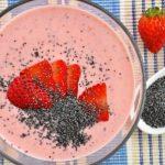 domáci jahodový jogurt smoothies s makom