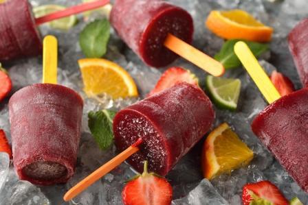 domáca zmrzlina, ovocný sorbet na ľade s ovocím