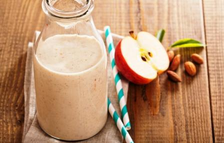 jablkove smoothie so skoricou
