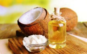 kokosový olej vo fľaši
