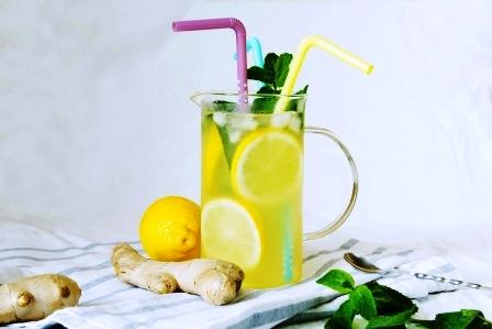 limonada se zazvorem a matou