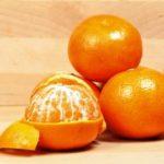 mandarinky cele a osupane ovocie
