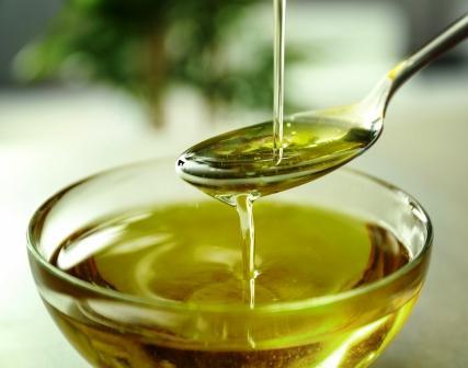 olej v sklenenej miske
