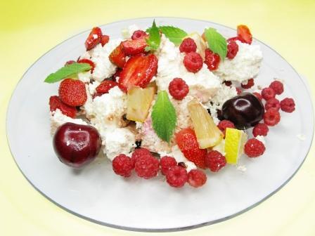 ovocný šalát s tvarohom
