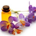 safranovy olej s kvetom