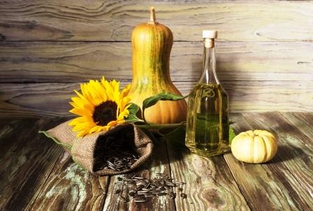 surove slnecnicove semienka, tekvica a olej