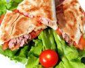 Recepty na plnený pita chlieb a tortilu s rybou (losos a tuniak).