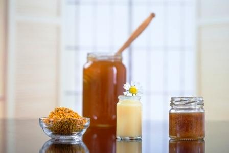 včelie produkty materská kašička propolis peľ a med