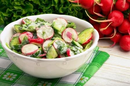 zeleninový šalát s jogurtom